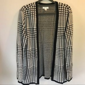 Houndstooth black and white open sweater petite L